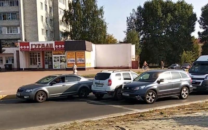 В Брянске сняли на видео автохама