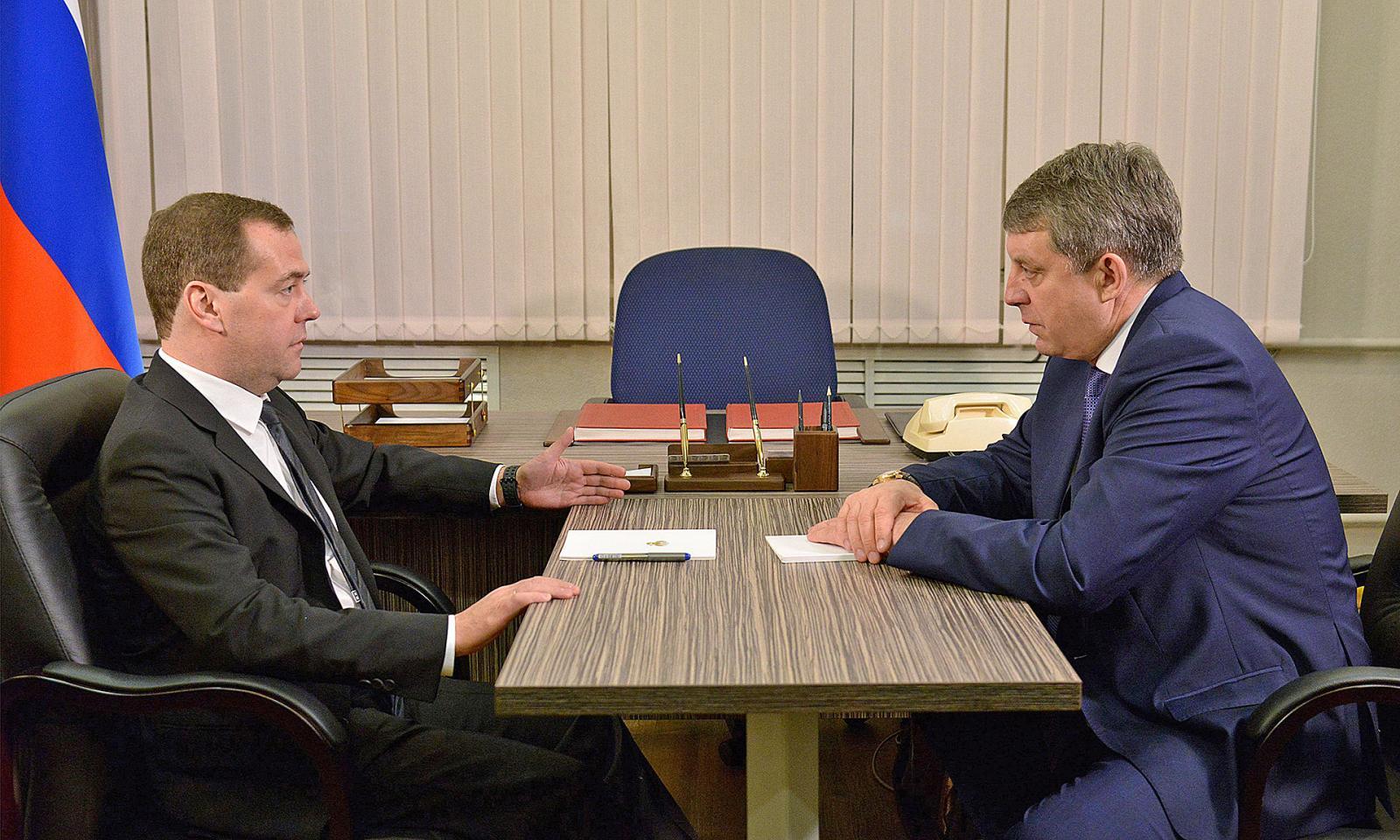 Медведев одобрил просьбу Богомаза о новой поликлинике
