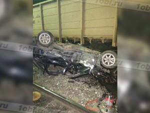 Грузовой поезд протаранил автомобиль: водитель погиб