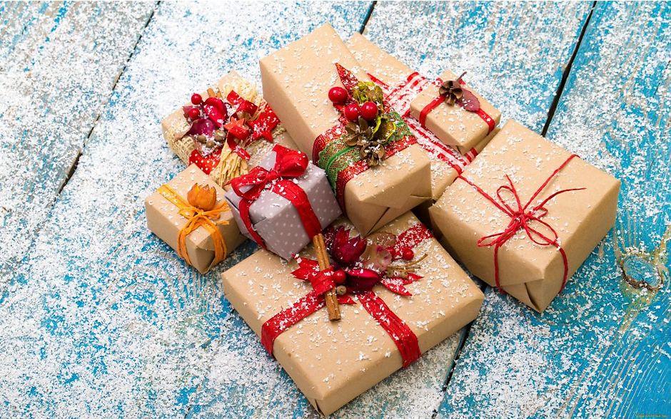 Большой выбор новогодних подарков