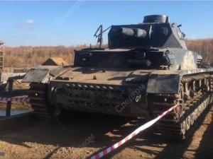 Каскадер погиб на съемках под гусеницами танка