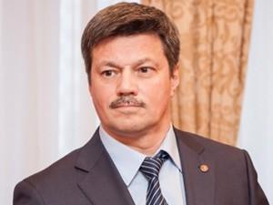 Он голосовал за повышение пенсионного возраста. Депутат Андрей Ветлужских