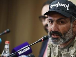 Армения осталась без лидера. Пашинян ушел в отставку
