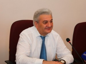 Он голосовал за повышение пенсионного возраста. Депутат Заур Геккиев