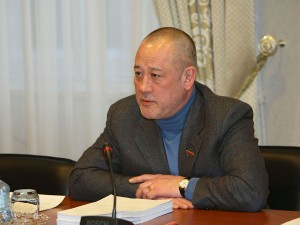 Он голосовал за повышение пенсионного возраста. Депутат Мурад Гадыльшин
