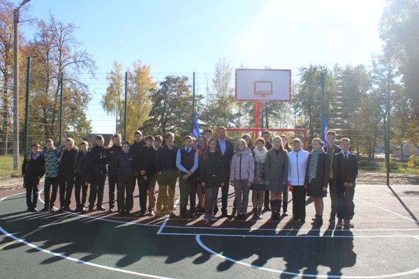 В поселке Навля Брянской области открыли новую спортивную площадку