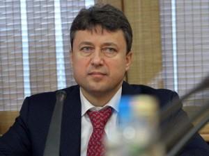 Он голосовал за повышение пенсионного возраста. Депутат Анатолий Выборный