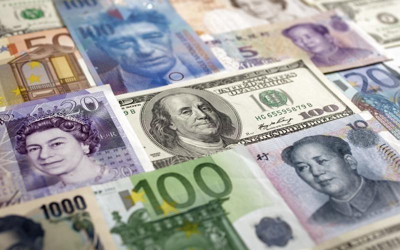 Российские банки сообщили о начале дедолларизации экономики