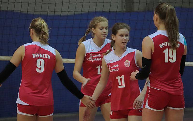 Брянские волейболистки гостеприимно уступили соперницам из Тулы в обеих встречах