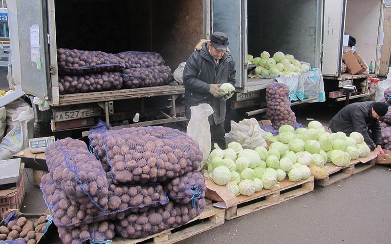 Брянцы на субботней ярмарке купили более ста тонн сельхозпродукции