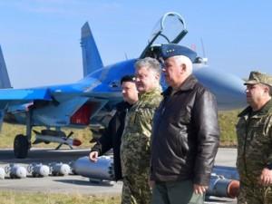 Порошенко заявил: в «гибридной войне» с Россией украинские военные накопили ценный опыт