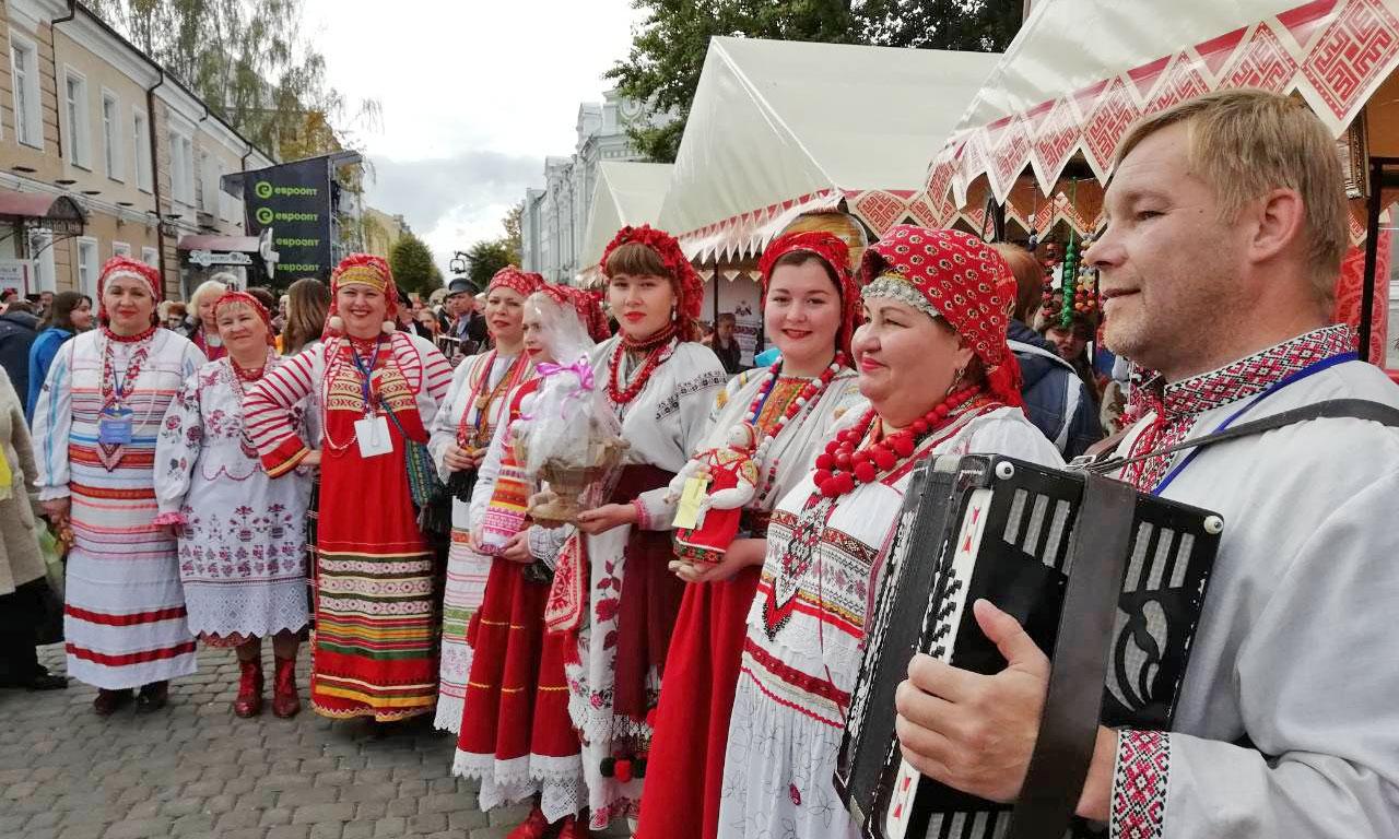 Валентина Матвиенко посетила брянскую выставку в Могилеве