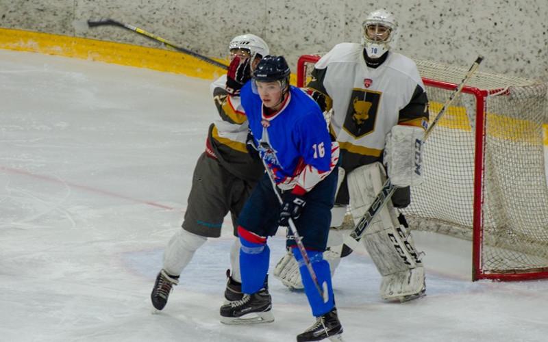В повторном матче хоккейный «Брянск» разгромил «Голден Догс»