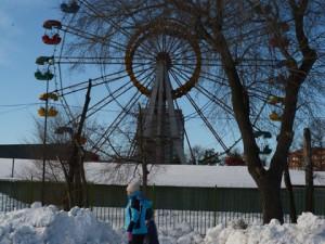 Первый каток открылся в Челябинске, не дожидаясь календарной зимы