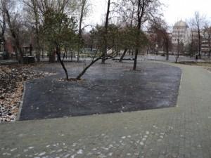 «Серое поле: изуродовали сквер». Впечатление от Алого поля после реконструкции