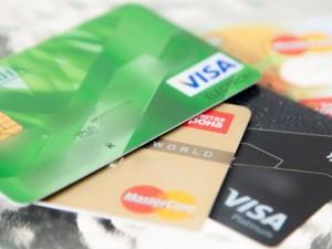 Блокировку счетов физлиц банками описали в двух «сценариях»