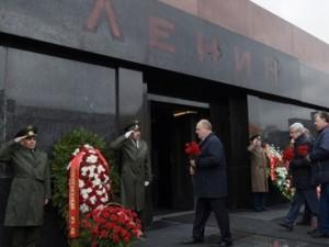 Зюганов выступил против предложения заменить тело Ленина в мавзолее