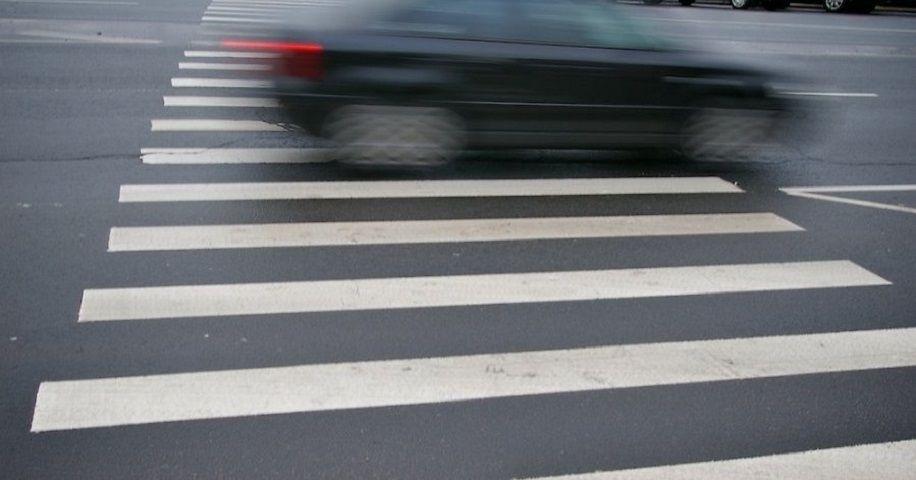 На пешеходном переходе под Брянском сбили женщину