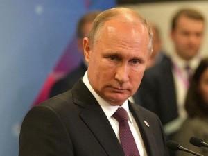 Путин потребовал навести порядок в обеспечении россиян лекарствами