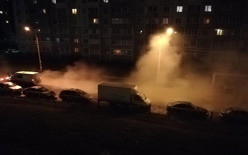 Житель Санкт-Петербурга провалился в яму с кипятком