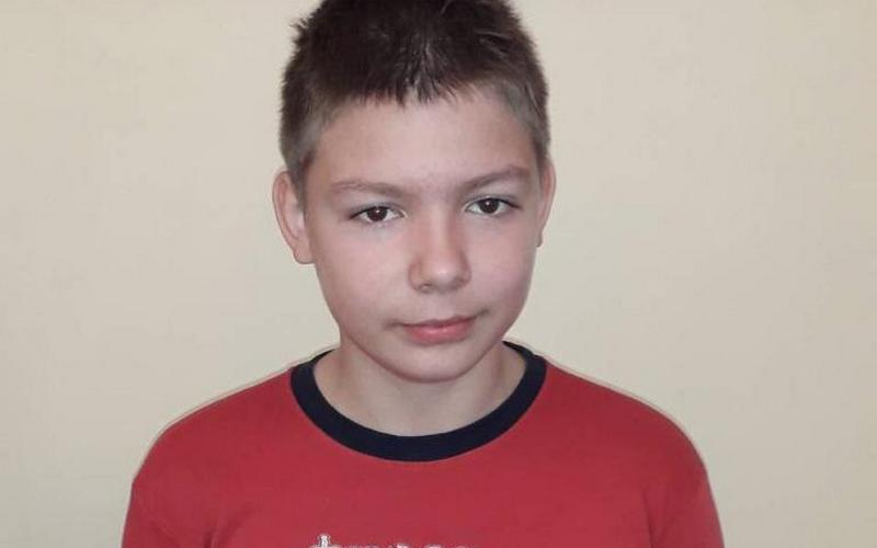 В Брянске 12-летний мальчик остался без папы и мамы