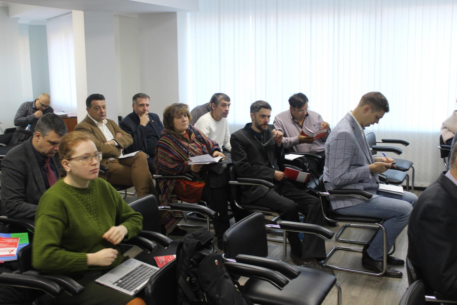 В Брянске «левые» со всего мира обсудили, как помогать трудящимся