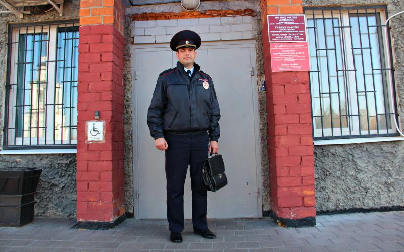 Брянский полицейский стал шестым среди народных участковых России
