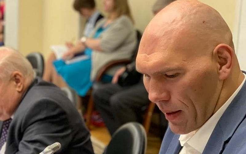 Узник соцсетей пообещал вызвать брянского депутата Валуева на бой