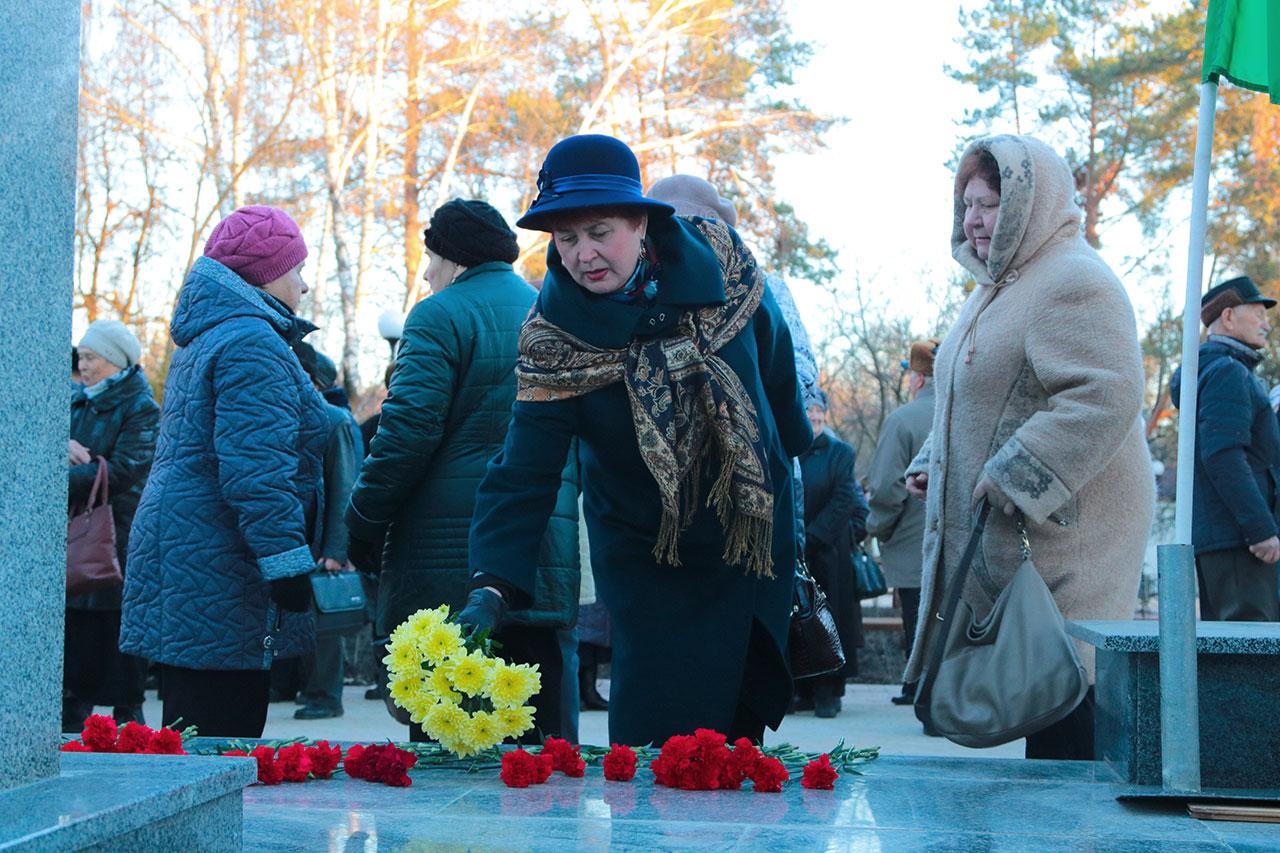 В Брянске открыли отремонтированный сквер имени Морозова