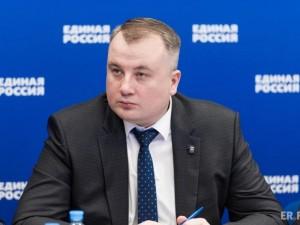 Он голосовал за повышение пенсионного возраста. Депутат Виктор Дзюба