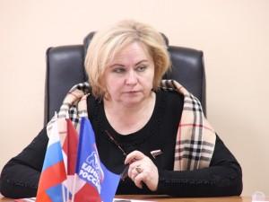 Она голосовала за повышение пенсионного возраста. Депутат Любовь Духанина