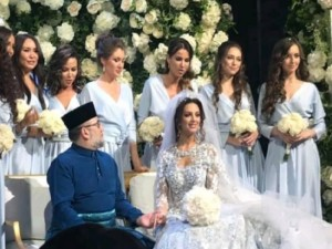 «Мисс Москва-2015» стала женой короля Малайзии