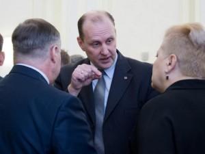 Дубровский избавляется от неэффективных министров. Начал с Савченко