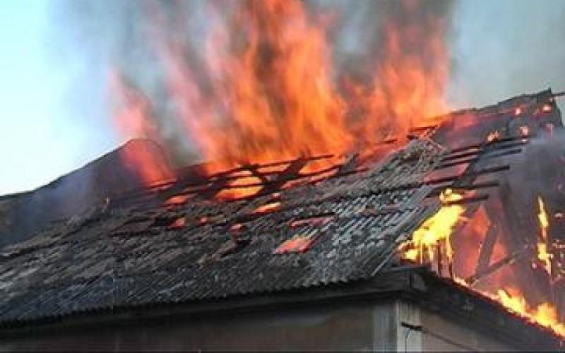 При пожаре в частном доме в Клинцах пострадал мужчина