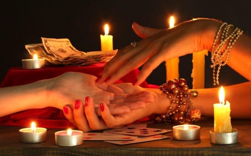 Жительница Брянска стала жертвой «целительницы»