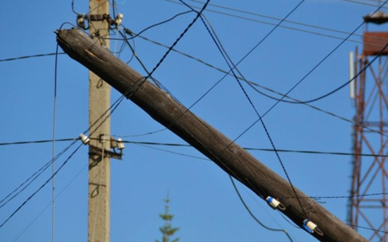 Энергетиков наказали зарухнувший столб вМглине
