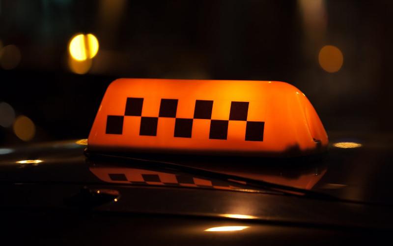 Брянцы могут пожаловаться наработу такси