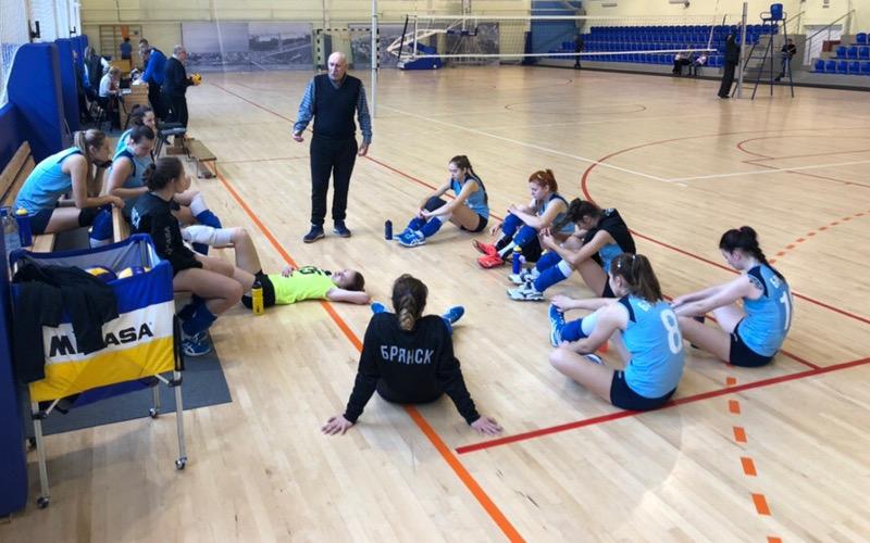 Брянский волейболистки потерпели второе поражение от «Северянки-2»