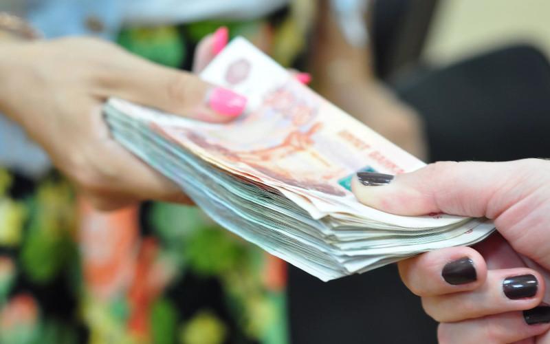 В Брянске ждет суда посредница в передаче взятки чиновнице управления образования