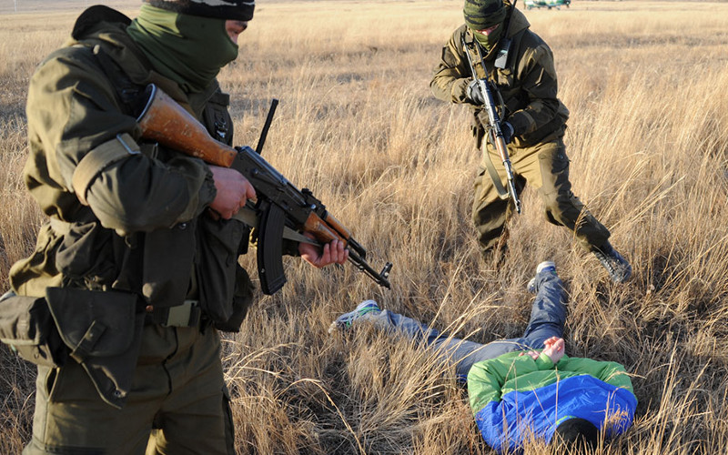 Пограничники задержали в Стародубском районе двоих украинцев