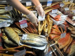 230 кг копченой рыбы и мяса утопили в белизне