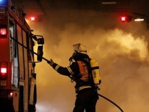 В Подмосковье вспыхнуло общежитие. Погибли двое, пострадали дети