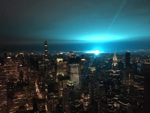 Необычное свечение в небе взбудоражило жителей Нью-Йорка