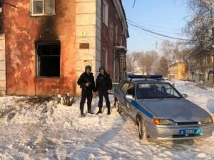Больше 10 человек спасли из огня росгвардейцы