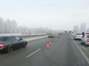 Сразу две иномарки сбили в Челябинской области одного пешехода