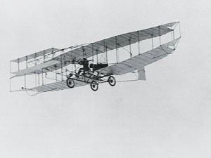 115 лет назад люди впервые поднялись в небо на пилотируемом аппарате