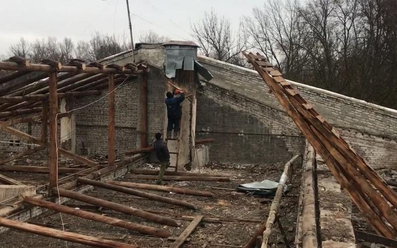 Зима не помеха: в ДК БМЗ продолжается ремонт крыши