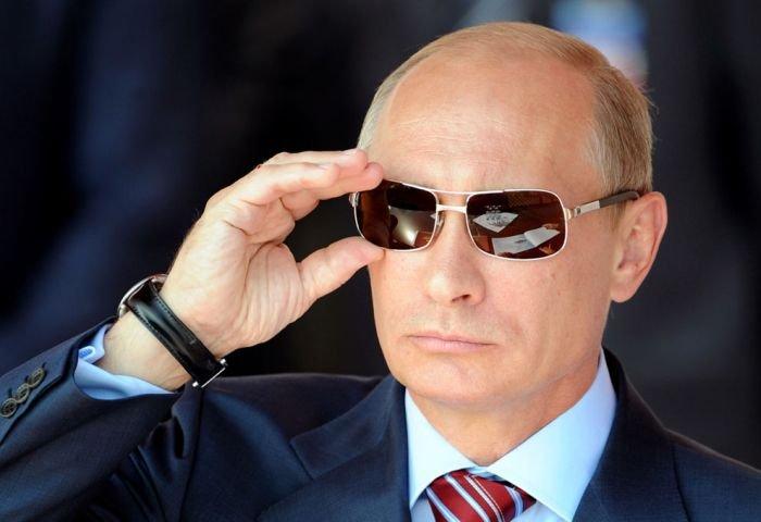 В Японии стали хитом календари с фотографиями Путина