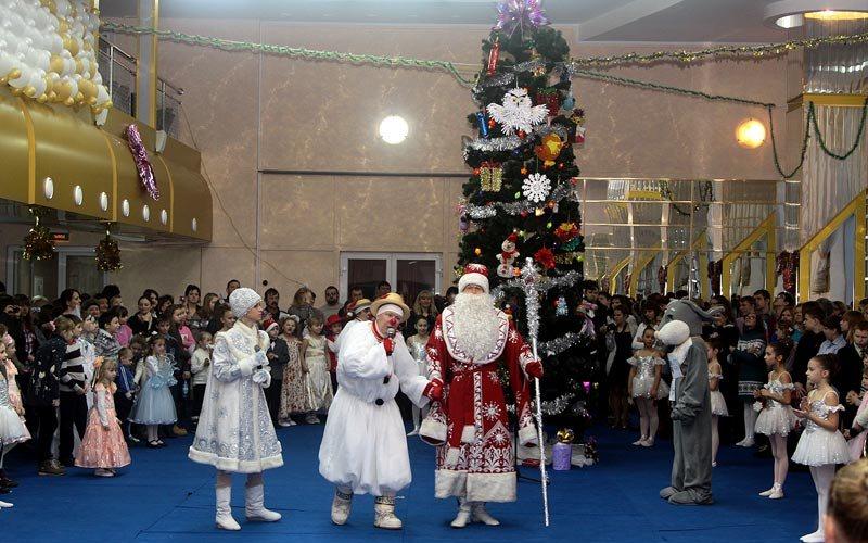 В Брянске решили создать новогоднюю сказку для 450 детей-сирот