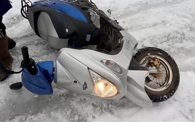 Рецидивист украл скутер из подъезда в Клинцах